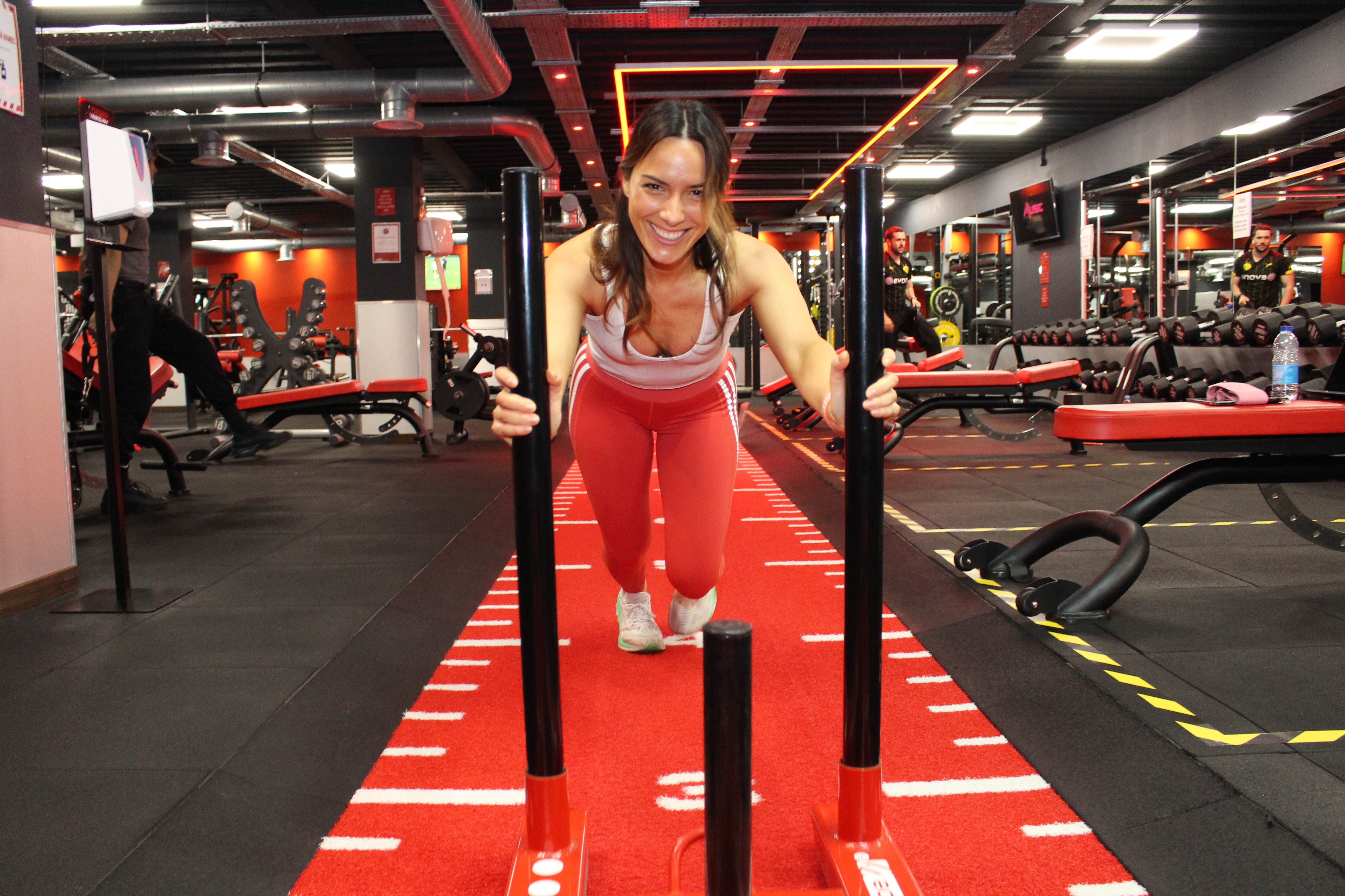 Snap Fitness red woman